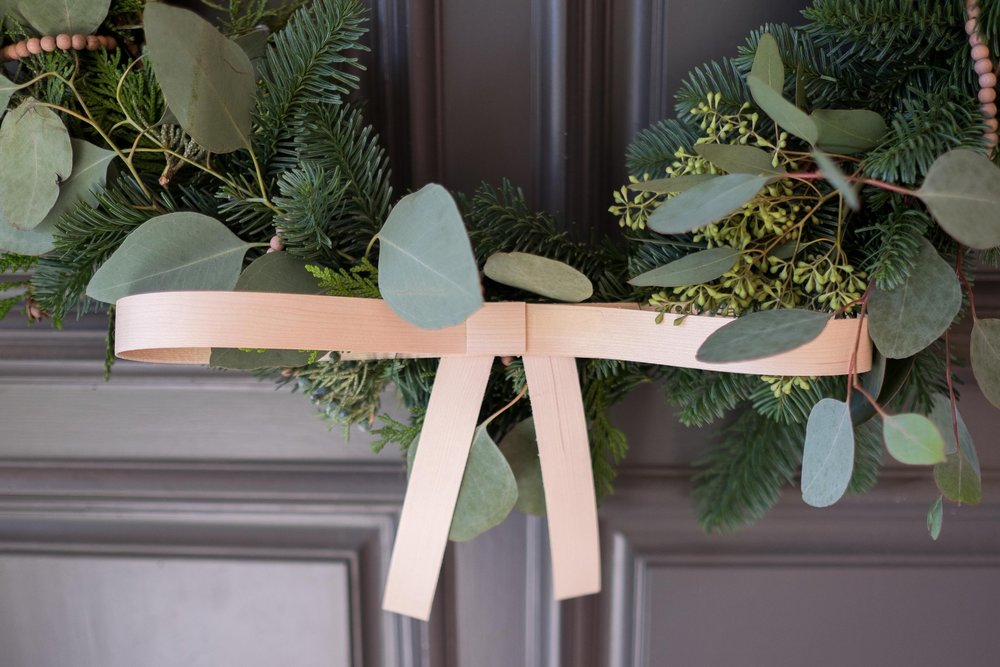 Love_Ding_Blog_DIY_Living_Pine_Wreath_Front_Door.jpg