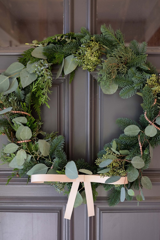 Love_Ding_Blog_DIY_Front_Door_Wreath_with_Wooden_Bow_Accent.jpg