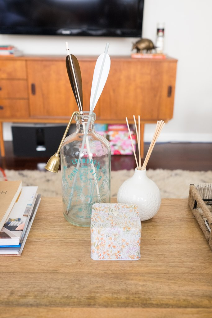 Love-Ding-Blog-Design-Tips-Home-Staging-How-To-Take-Styling-with-Odd-Numbers-Do.jpg