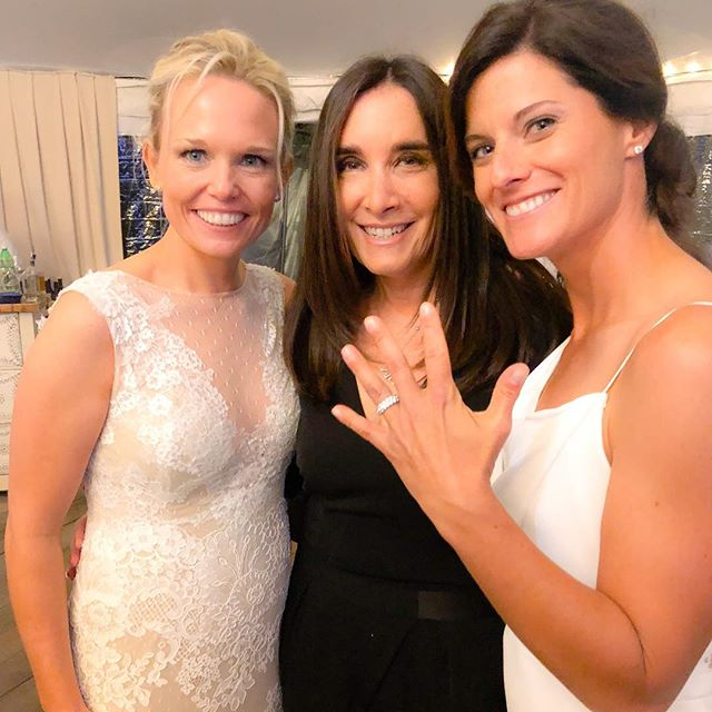 How gorgeous are these brides and that STUNNING wedding band?! #dorodesignjewelry