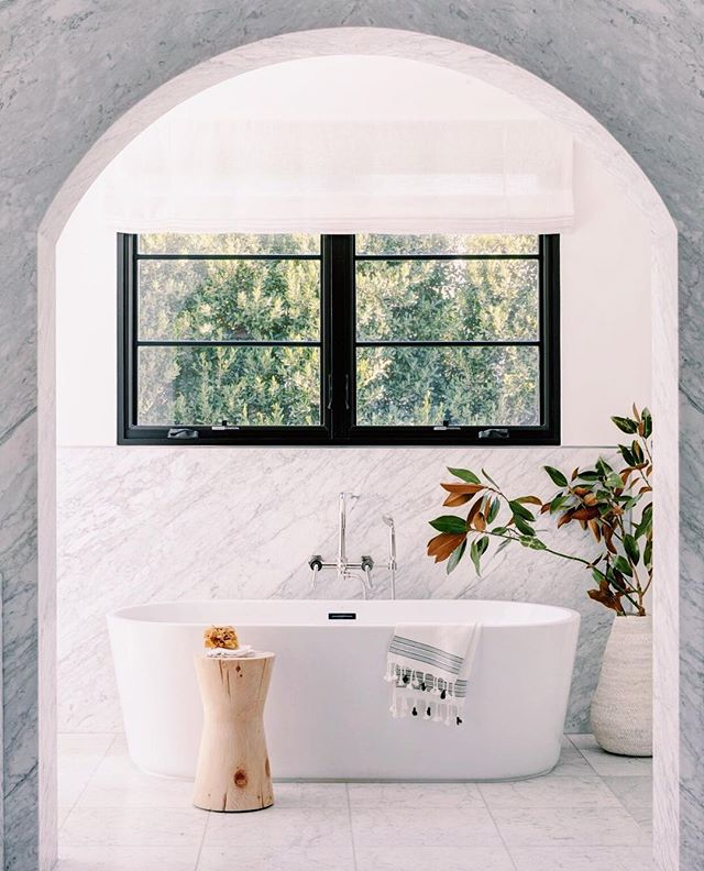 Who takes a bath to unwind after a long day? Not me, but if I did I would like it to be in here. #lovedetailedinspo  #designinspo #regram @mydomaine