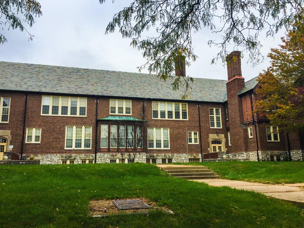 Nathaniel_Hawthorne_Elementary_School.jpg
