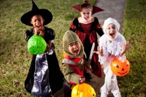 156336-425x283-kids-trick-or-treat