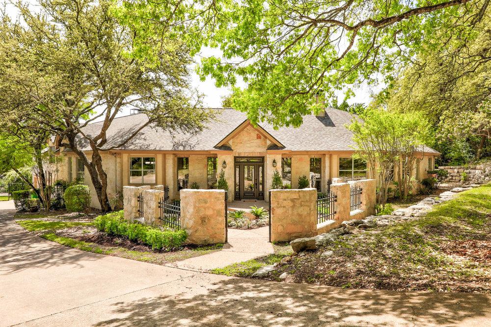 601 Furlong Drive | Sun 2-4pm | $1,395,000 | Listed by Beth Drewett