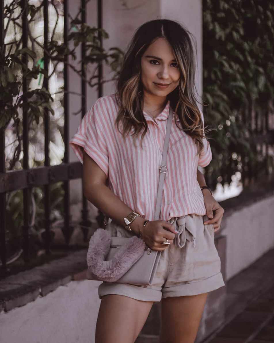Casually on-the-go. - @fashionbyvicky