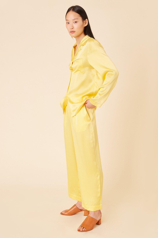 Silk_Charmeuse_Pajama_Shirt_Yellow_Detail_2_1920x.jpg