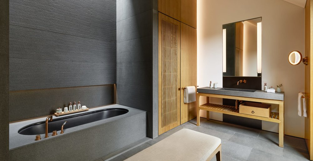 bathroom_in_suite_office_17118_1.jpg