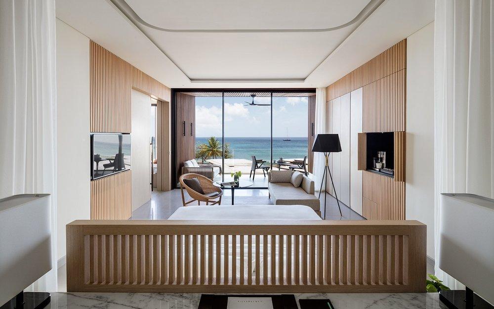 silversands-accommodations-ocean-view-king-ocean-looking-out-5c38e4610eeeb.jpg
