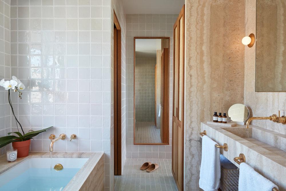 rooms-ciel-bathroom_0369.jpg