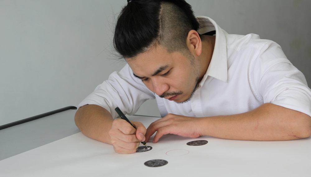 羅家南Bosco Law - 香港藝術家,以針筆畫為大眾的認識。2010年舉辦個人展覽《人物誌》在2011年得到香港中文大學張氏創作獎,作品曾多次參與亞洲地區的展覽,包括Art Basel及Affordable Art Fair 等。https://b-law.weebly.com/