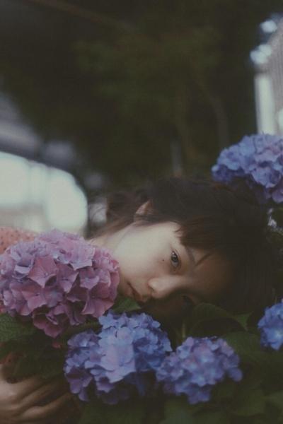 Lean Lui - 香港年輕攝影師,菲林攝影愛好者。以19歲之姿登上法國藝術網站Velvet Eyes,其作品受到本地及外國的媒體關注,更被Lomography 網上雜誌選為Welcome New Year Grand Prize Winner。2018年的4月在f22 foto space 舉行首次個人攝影作品展覽,吸引不少年輕人參觀。Instagram: @leanlui