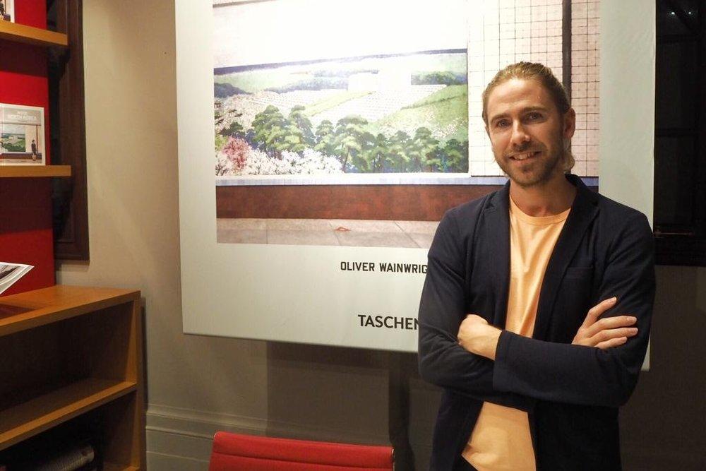 Oliver Wainwright - 英國《衛報》建築及設計評論家,畢業於皇家藝術學院,主修建築。他曾在大倫敦政府的建築和城市規劃部門工作,亦擔任建築基金會的策展顧問。網站:http://www.oliverwainwright.co.uk/