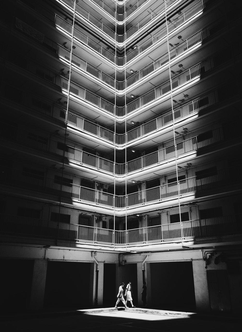 ©Jeremy Cheung - Jeremy以《井底之光》奪得2017年《國家地理會德豐香港攝影大賽》手機組的季軍。