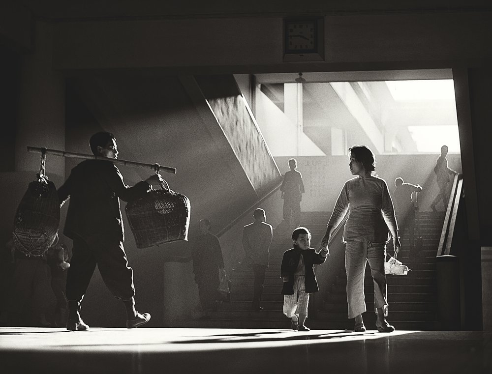 Fan Ho 'Quarter to Four(三點九・中環街市)' Hong Kong 1950s and 60s, courtesy of Blue Lotus Gallery