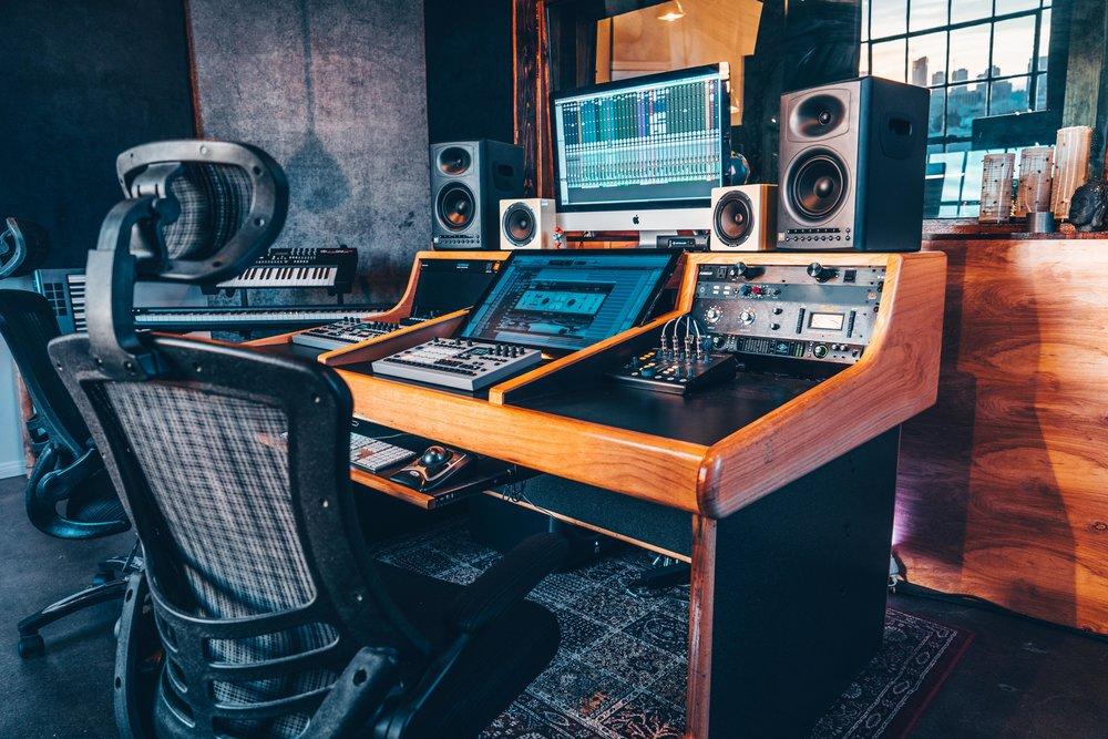 Neon Sound Recording Studio Noho DTLA