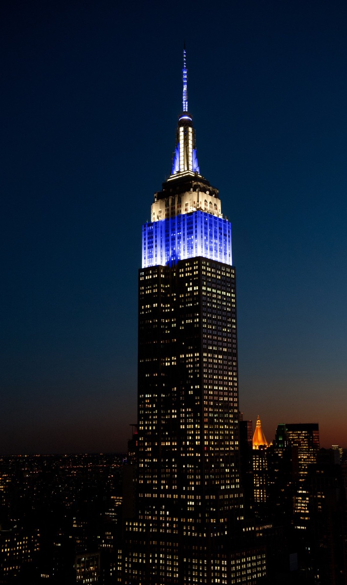 Empire State Building lit up in the colours of the Scottish Flag on Tartan day 2018