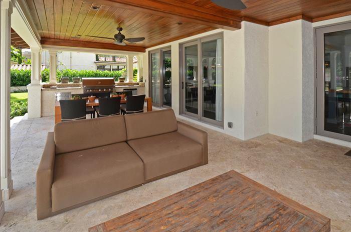 patio_700.jpg