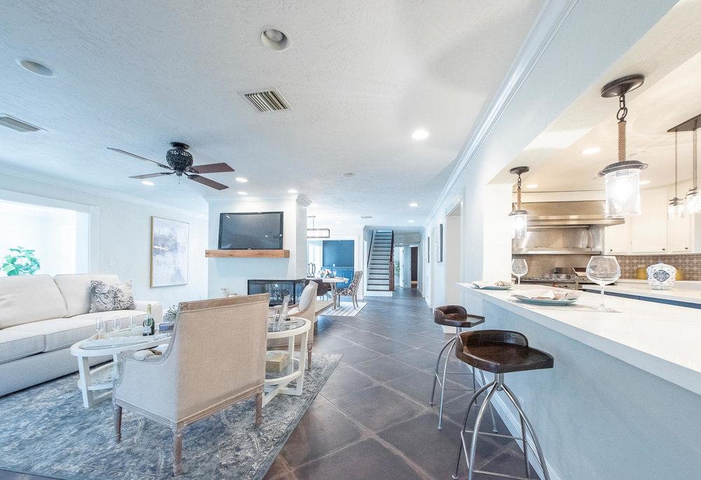 824 SE 8th St Fort Lauderdale-large-004-9-KitchenFamily Room-1457x1000-72dpi.jpg
