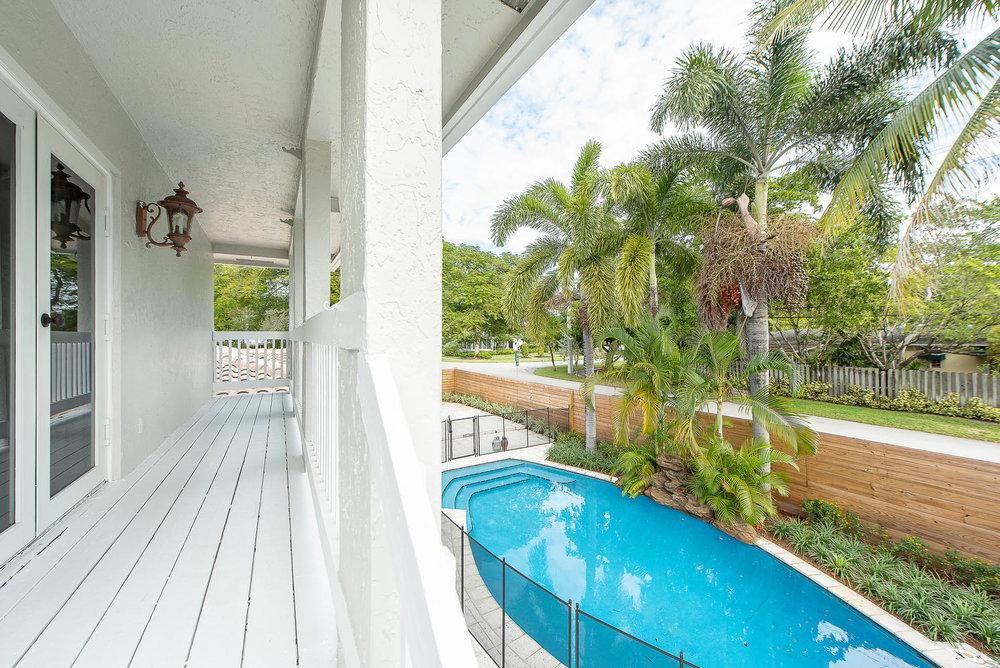 824 SE 8th St Fort Lauderdale-large-014-11-Balcony-1499x1000-72dpi.jpg