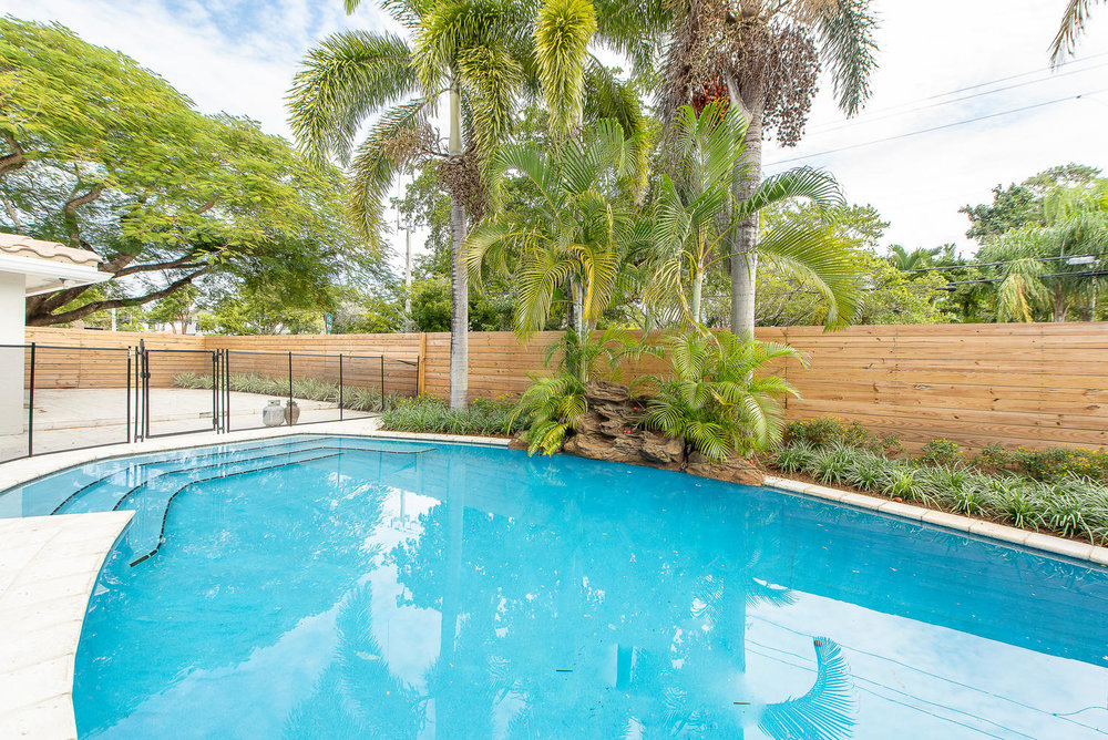 824 SE 8th St Fort Lauderdale-large-017-23-Pool-1499x1000-72dpi.jpg