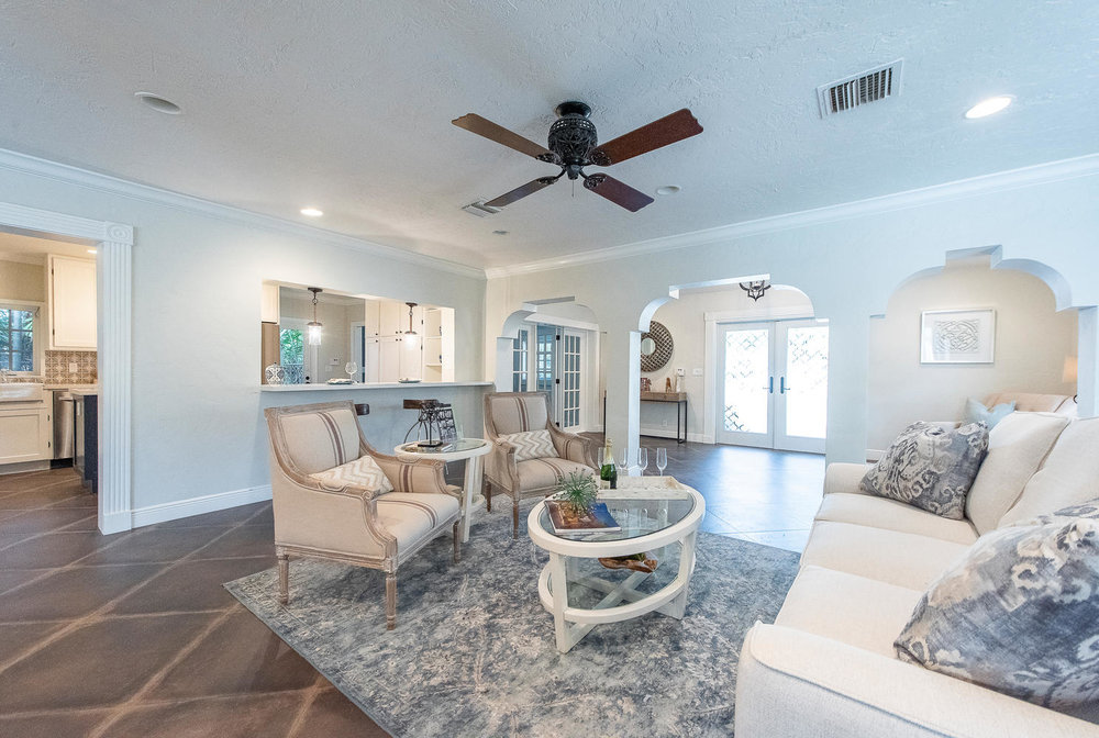 824 SE 8th St Fort Lauderdale-large-020-7-Living Room-1489x1000-72dpi.jpg