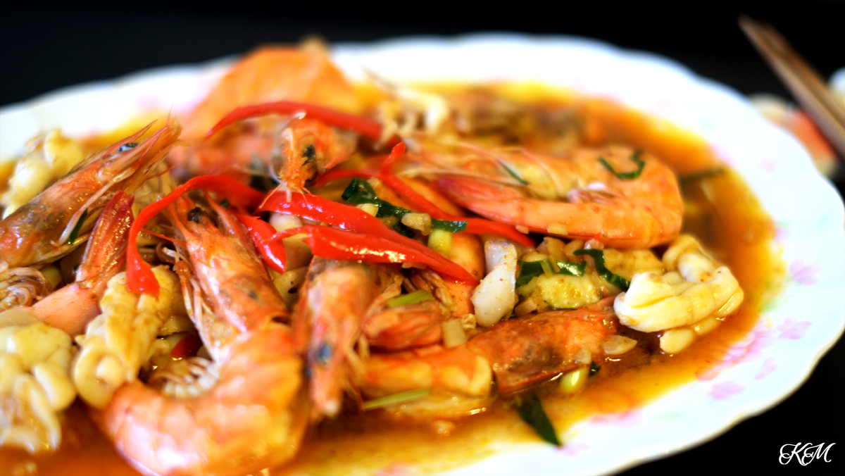 Tom Yum Squid and Prawns Stirfry