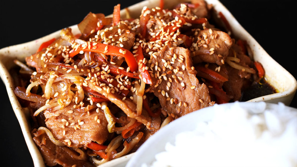 stirfried-pork-with-onions-and-beans-sprouts2.jpg