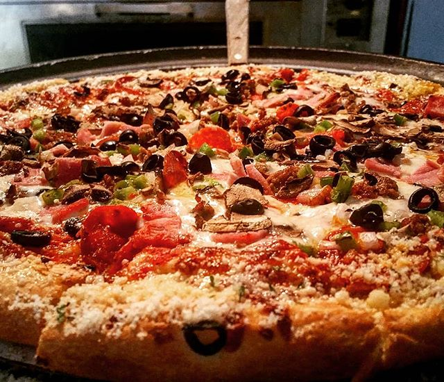 "Deluxe Za! The local favorite!!!! Get a 12"" for $12.99 tomorrow night for Pizza & Pints!🍕🍻"