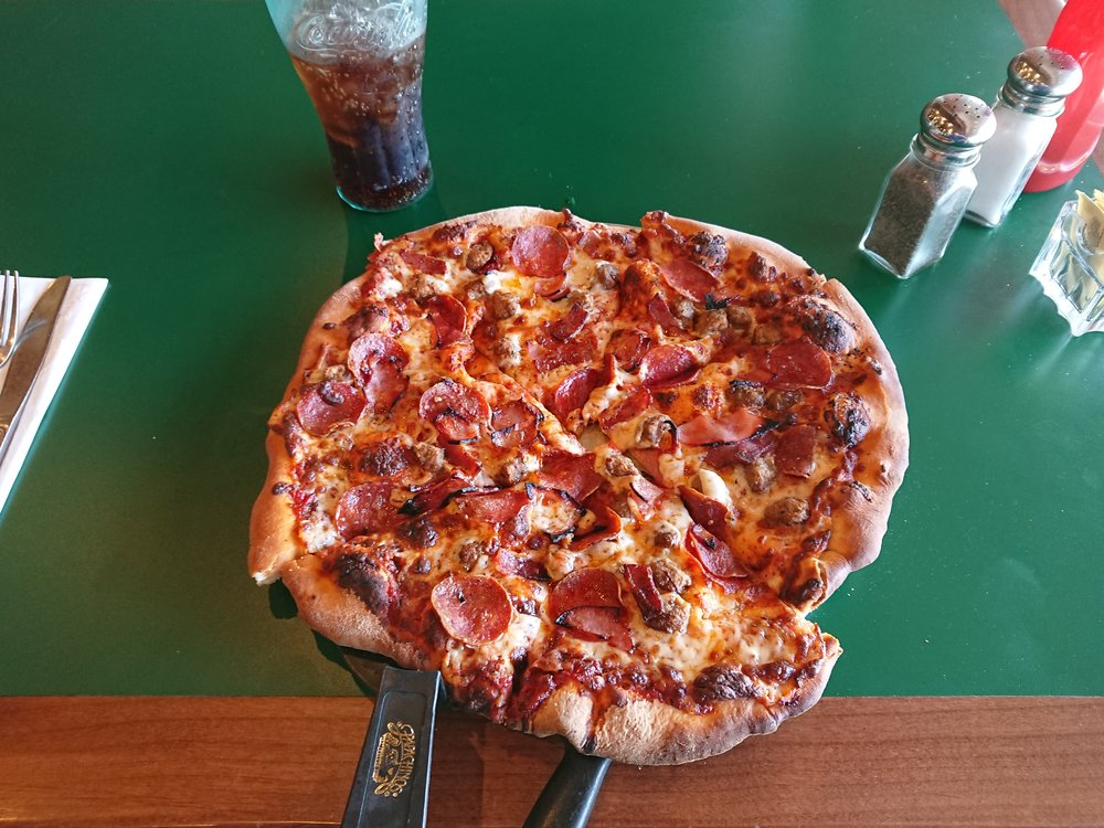 A very good pizza from the Golf Resort at Warner Springs.