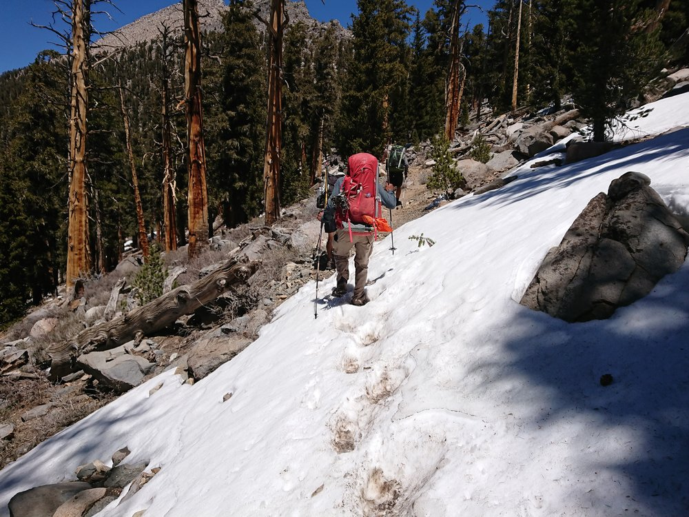 At higher elevation we now started to encounter more snow patches, a sign of things to come