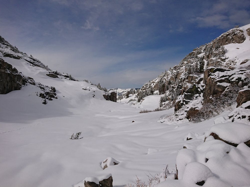 The fresh snow did make the landscape very beautiful and the weather improved just as we got close to the top of the pass