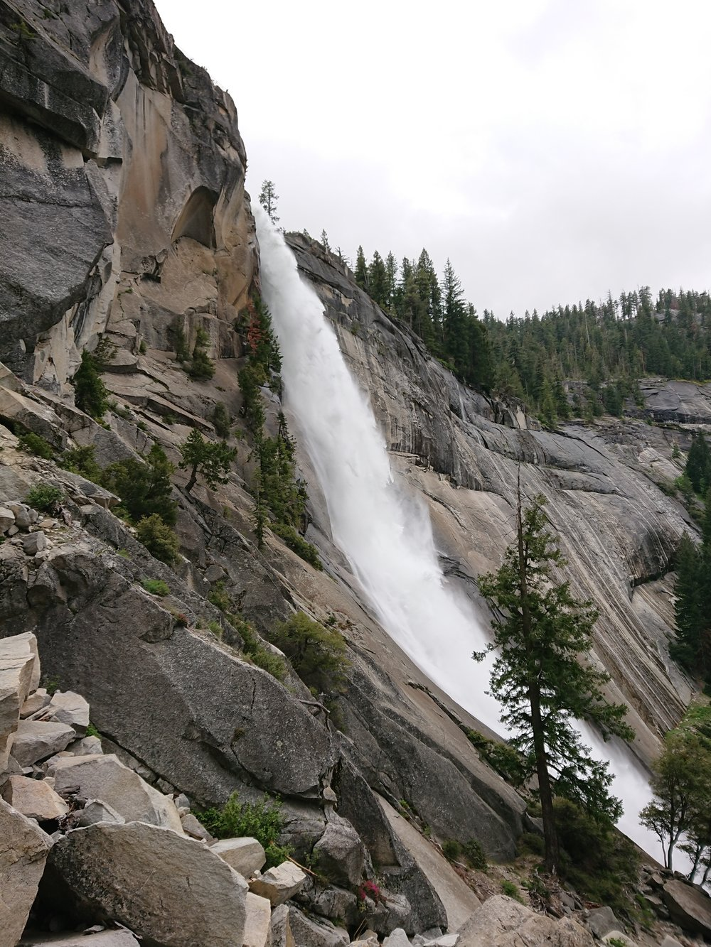 The impressive Nevada Falls from the Mist Trail