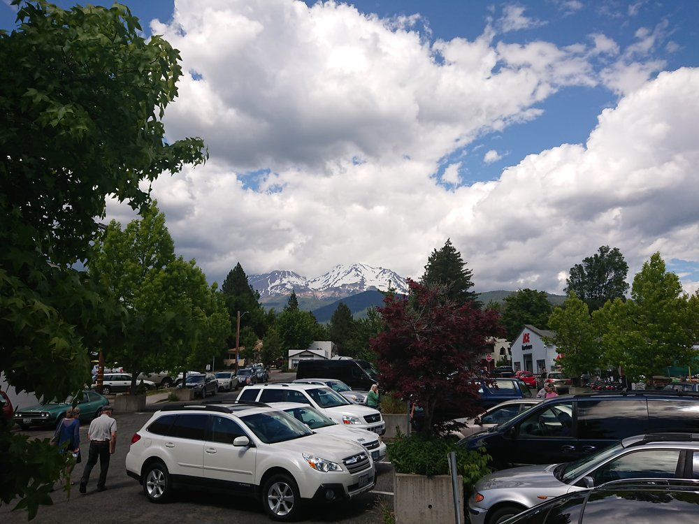 It was easy to get good views of Mount Shasta from Mt Shasta city
