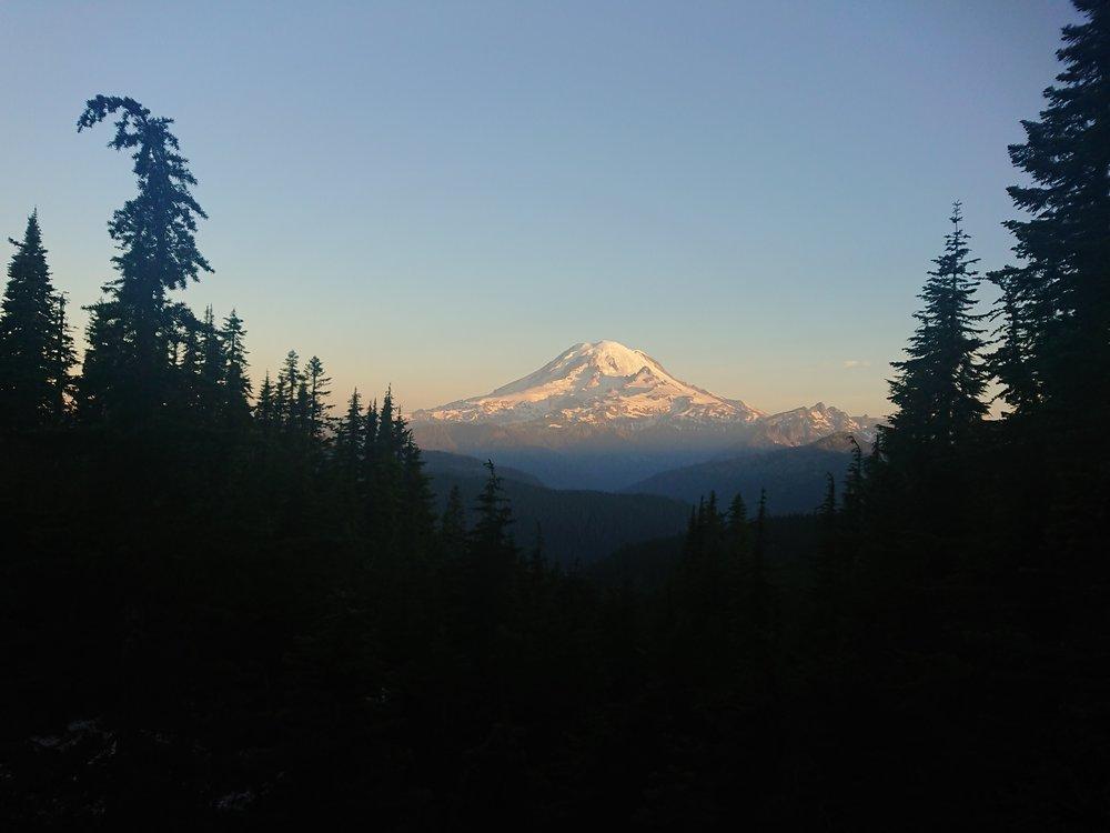 Mount Rainer in sunrise colors