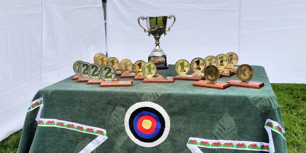 the 'val goodman' Junior May Metrics trophy table -