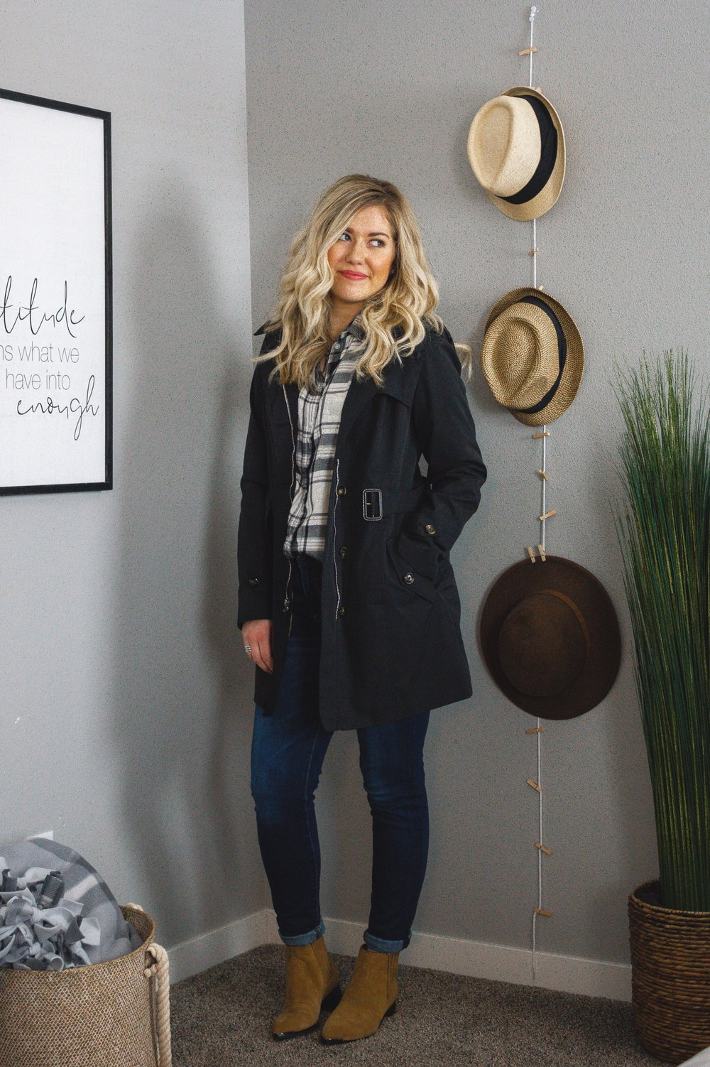 92f6cd9c91 3 Ways to Style an Oversized Flannel + Jeans Outfit — Adrianna Bohrer