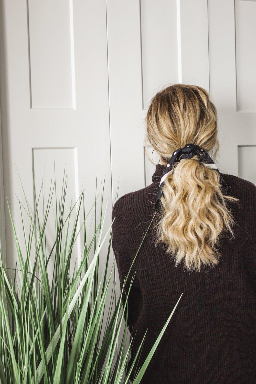 3-Ways-to-Tie-a-Silk-Scarf-in-Your-Hair-02.jpg