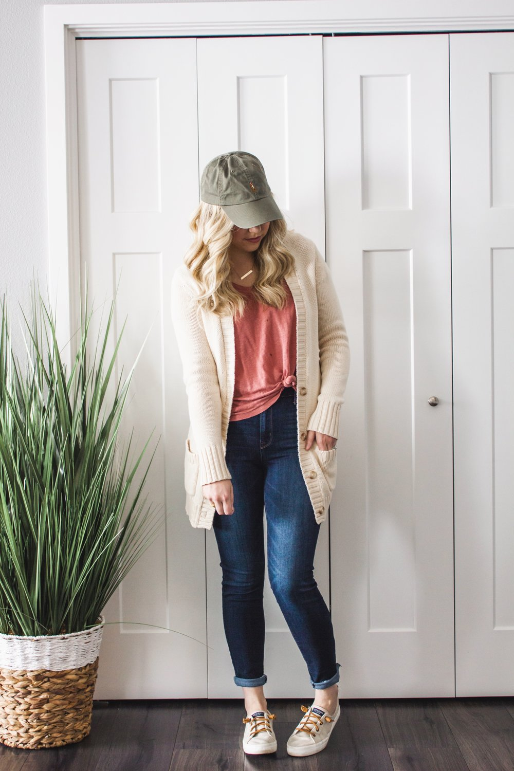 How-to-Transition-Your-Winter-Sweaters-into-Spring-08.jpg