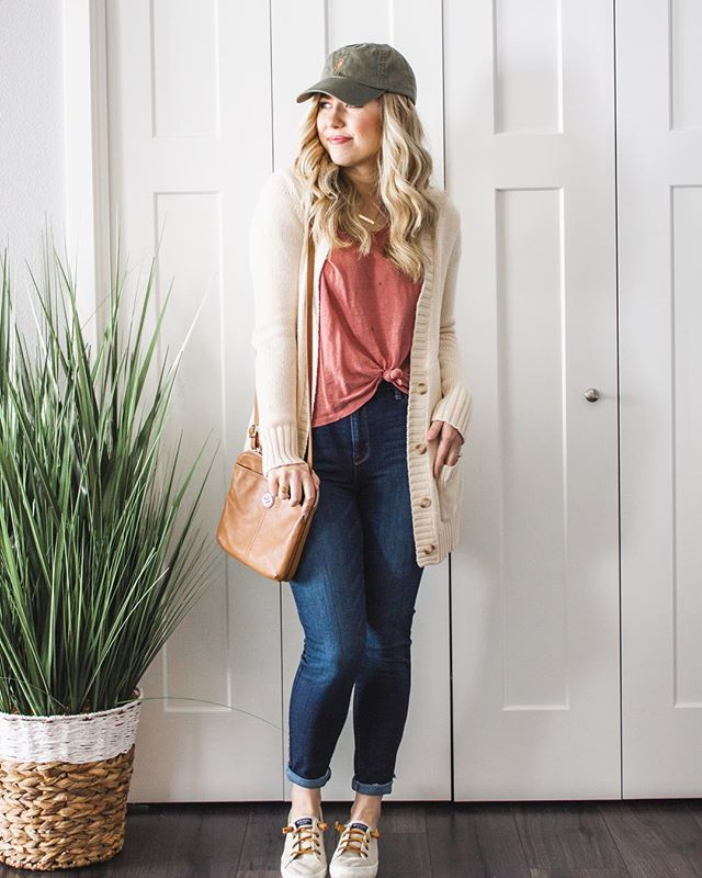 Let's bring a little taste of springtime into your winter wardrobe, even if there's 6+ inches of snow outside!⠀ 🌷⠀ [On the blog...] today I'm sharing 3 ways to transition your winter sweaters into spring! So you're ready for those longer days & warmer weather when they finally do come!⠀ 🙌🏻⠀ —  click the link in bio + tap this photo to read the BLOG POST!⠀ _____________⠀ #wearitloveit #ootdstyle #theeverygirl #momootd #momiform #outfitoftheday #realoutfitgram #wiwtoday #whatiwore #wiw #fashionmama #mamatribevibes #ig_motherhood #motherhoodrising #mamalife #momuniform #stylishmama #momootd #momiform #motherhoodinstyle #joyfulmamas #ohheymama #tjmaxxfinds #MaxxLife⠀
