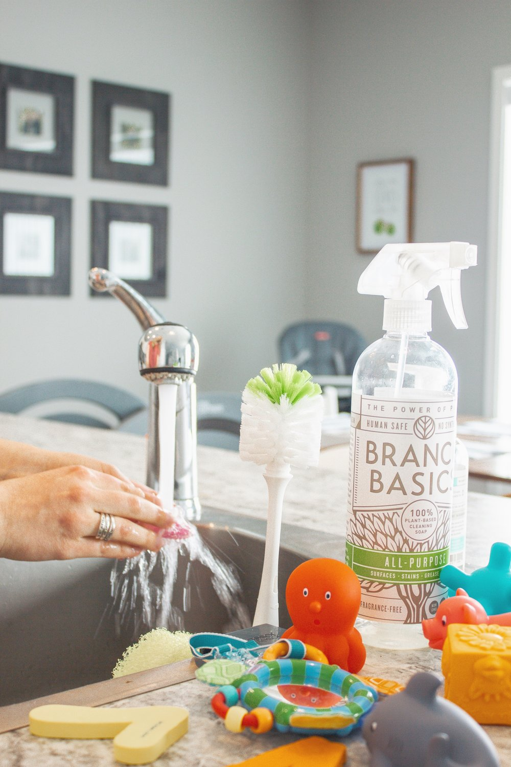 daily-kitchen-uses-Branch-Basics-non-toxic-cleaner-05.jpg