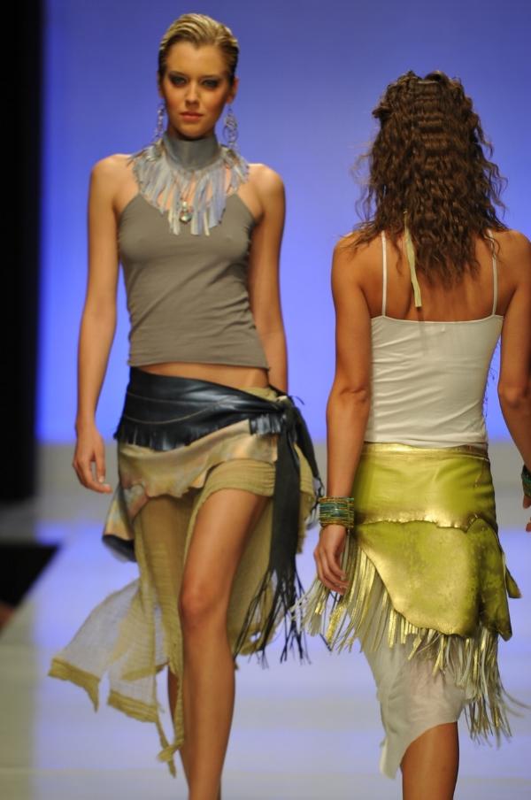 Fashion Week 2017 - El Paseo. Models are wearing V&G Belts.