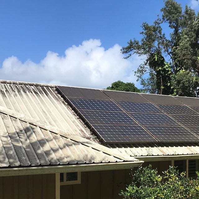 One more amazing job done by AAA Superior. 🧼 🧽 🚿 House wash on this Beautiful home on the windward side.  This is the garage building. We washed the sidings, roof and 30 solar panels. I'll be posting more pics later. Pics and videos of te main house. Everything came out beautifully. Aloha 🌸 🤙  SWIPE to clean ———-      . . .  #pressurewashing #powerwashing #pressurewasher #dewalt #carpetcleaning #upholstery cleaningh #homeimprovement #homeservices #cleaning services #oahu #hawaii #luckyweliveinhawaii #realtor #tbt #realestate #propertymanagement #curbappeal #concrete #grind #hustle #smallbusiness #smallbusinessowner #hawaii #oahu#cleaningservice #roofcleaning #oddlysatisfying #