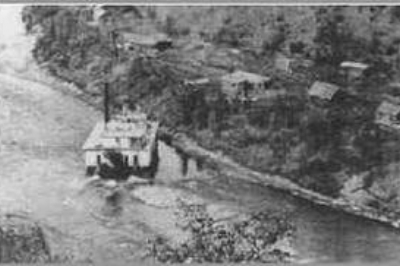 Atwater dredge on the Southfork between Franklin and Buckskin creeks 1912