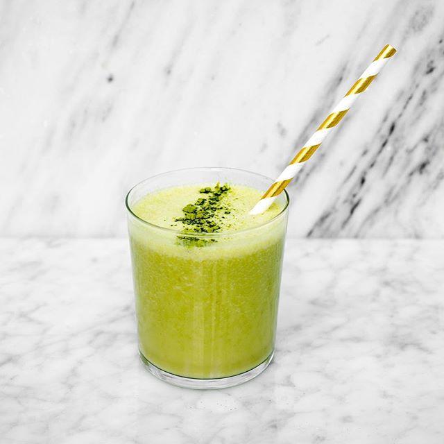 Empieza tu día lleno de energía con uno de nuestros jugos y smoothies 💚