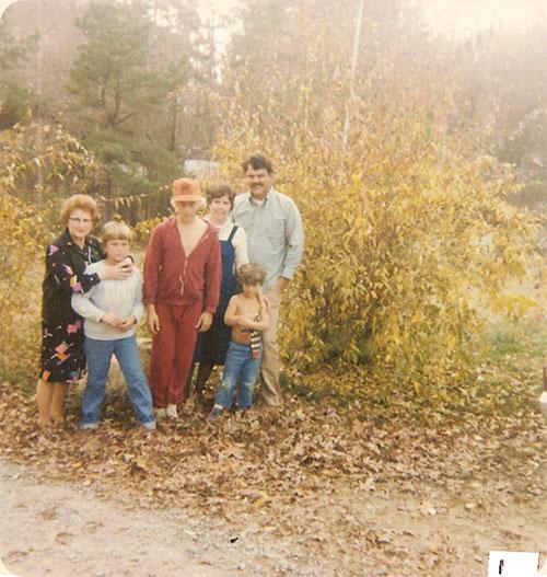 July 1980 / Chapel Hill, N.C.  L-R Ruth J. Walter, Jeffery, Michael, Carole, John & Kevin Earle