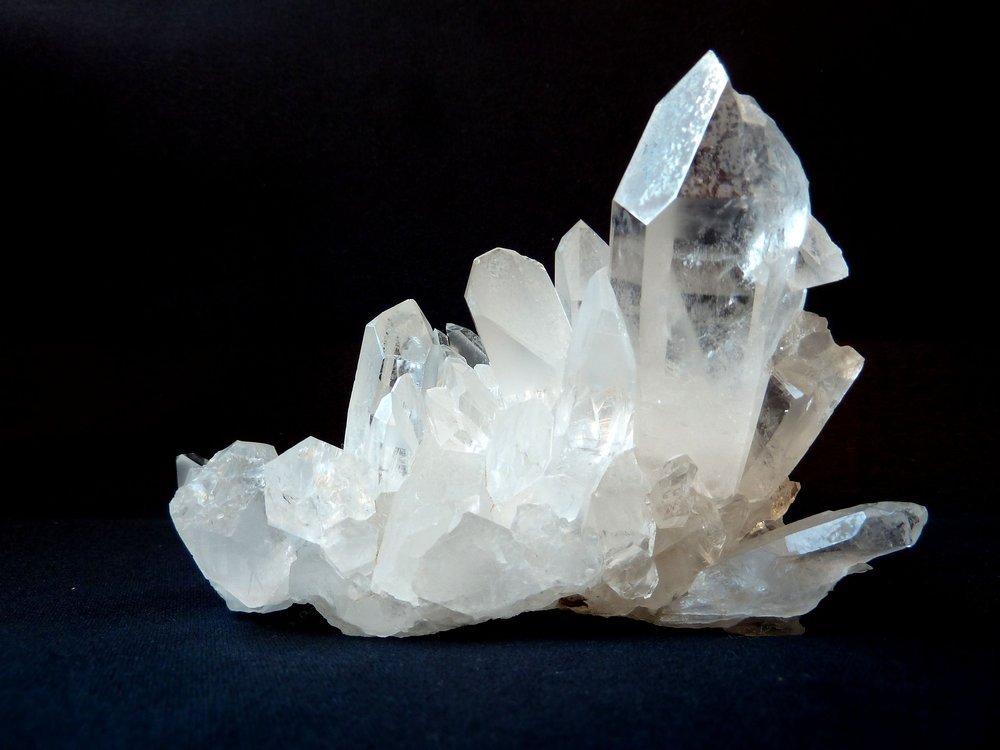 rock-crystal-1603480_1920.jpg