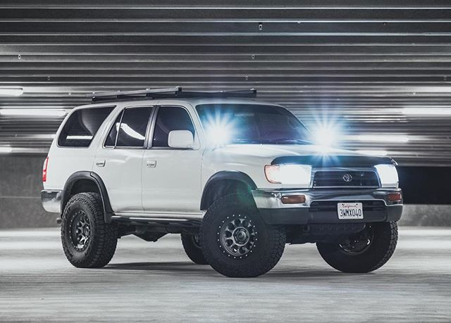 ———🏔E L E M E N T🏔——— • Can you say 💯CLEAN💯  Who doesn't love a 3rd gen? Especially one with @element_led lighting! • • 📸 : @track.n.trail