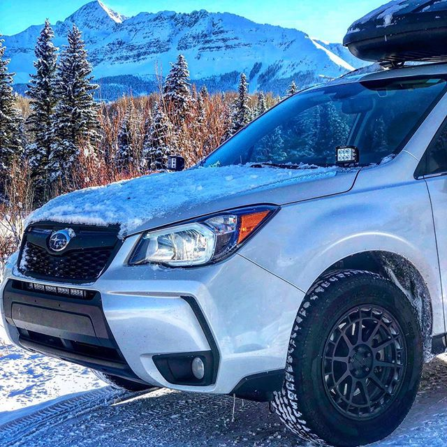 🏔——E L E M E N T——🏔 〰️〰️〰️〰️〰️〰️〰️〰️〰️〰️〰️〰️〰️〰️〰️〰️ It's a #subaru winter! Who else gets to see views like this when they wheel?? • • 📸: @dzt_foz