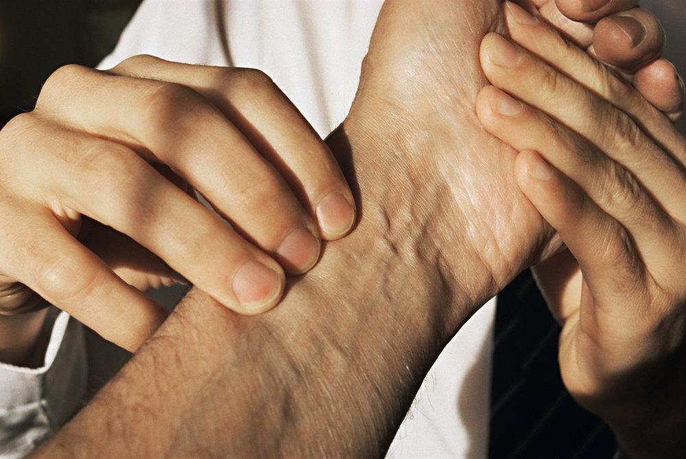 Pulsdiagnose er en del af den daglige lægelige rutine på et retreat