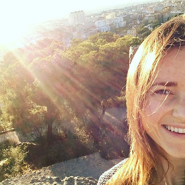 Sun in January makes me happy #barcelona #outdoors #parkguell #walk #nomakeup #aunaturale
